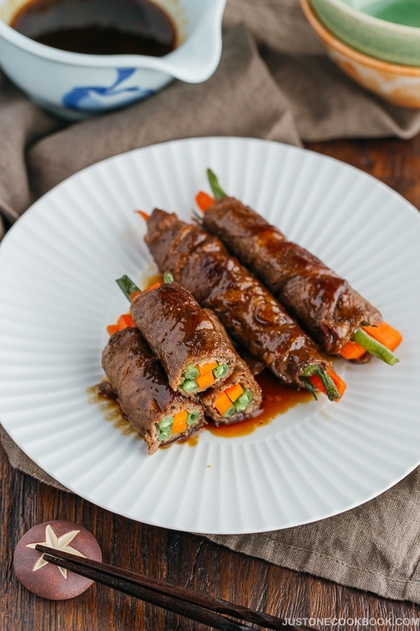 Teriyaki Steak Rolls 野菜の牛肉巻き | Easy Japanese Recipes at JustOneCookbook.com
