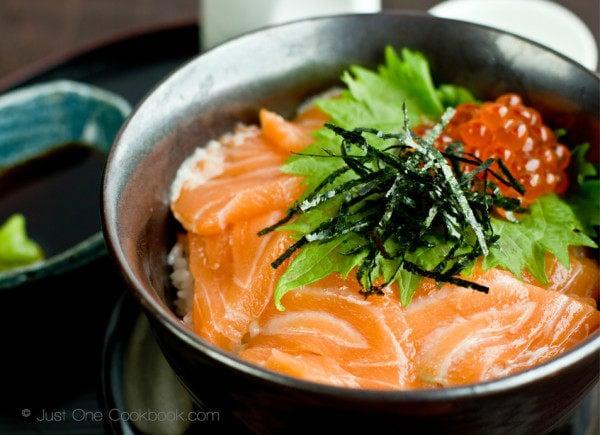 Salmon & Ikura Don III