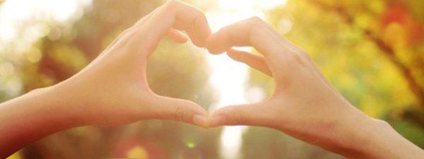hand making heart shape