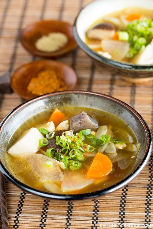 Japanese Vegetable Soup Kenchinjiru けんちん汁 • just one ...