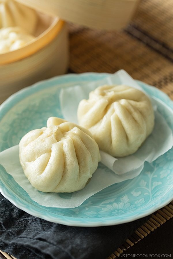Nikuman (Steamed Pork Buns) | Easy Japanese Recipes at JustOneCookbook ...