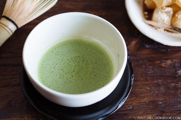 How To Make Matcha Japanese Green Tea 抹茶の点て方 Just One Cookbook