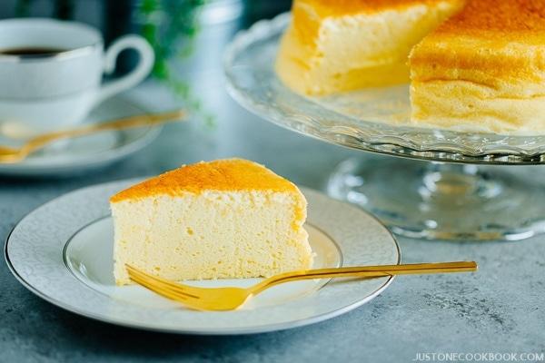 Japanese Hokkaido Cake Recipe: Japanese Cheesecake スフレチーズケーキ • Just One Cookbook