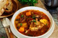 Pressure Cooker Oxtail Soup