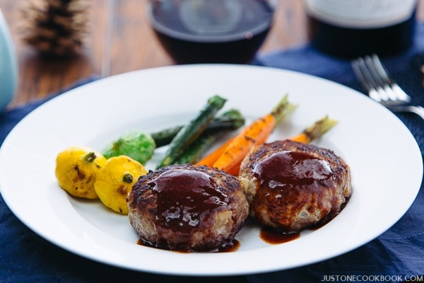 wine reduction sauce, this homemade Japanese hamburger steak (Hambagu ...