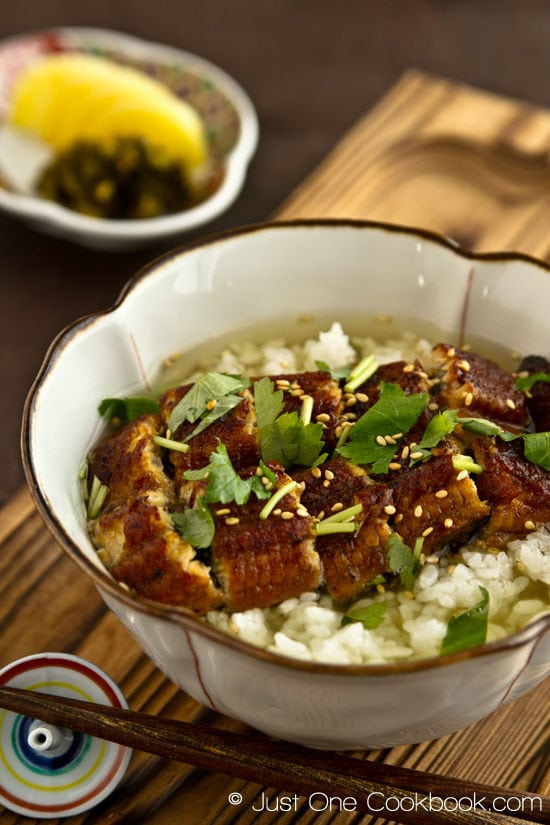 Unagi Chazuke with rice in a bowl.