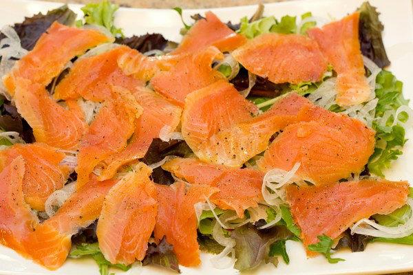 Smoked Salmon Salad with Lemon Vinaigrette 6
