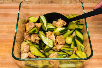 Cucumber and Chicken Marinated in Chili Oil 9
