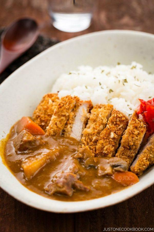 Katsu Curry with white rice in a bowl.