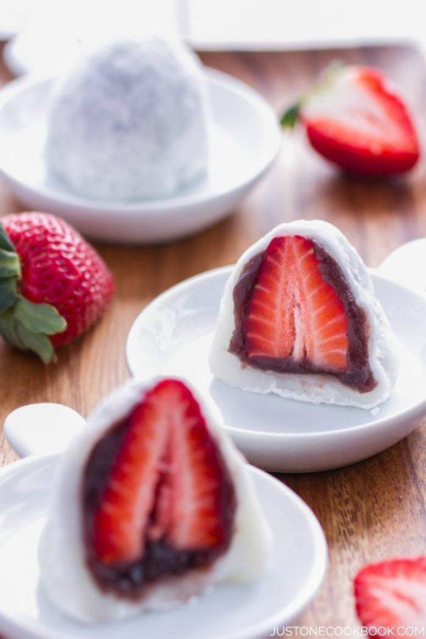 Strawberry Mochi on plates.
