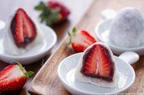 Strawberry Mochi (Ichigo Daifuku) いちご大福
