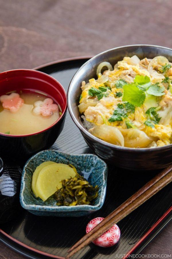 Oyakodon and miso soup on the tray.