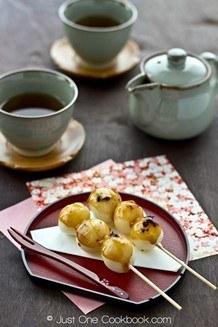 Mitarashi Dango on a plate and tea set.