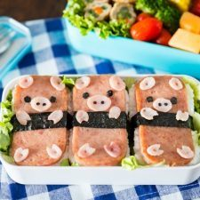 Piggy Spam Musubi Bento | Easy Japanese Recipes at JustOneCookbook.com