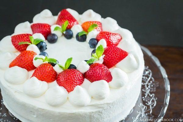 Japanese Strawberry Shortcake 苺のショートケーキ Just One Cookbook