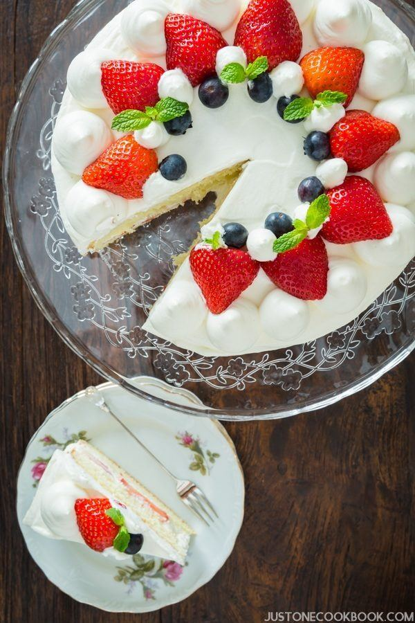 Fruit Garnish Cake