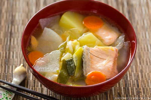 Sanpeijiru in a bowl.