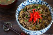 Yoshinoya Beef Bowl (Gyudon 牛丼) | Easy Japanese Recipes at JustOneCookbook.com