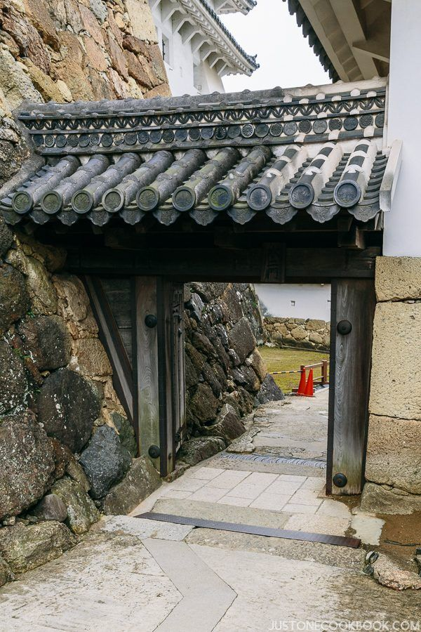 a small gate at the himeji castle