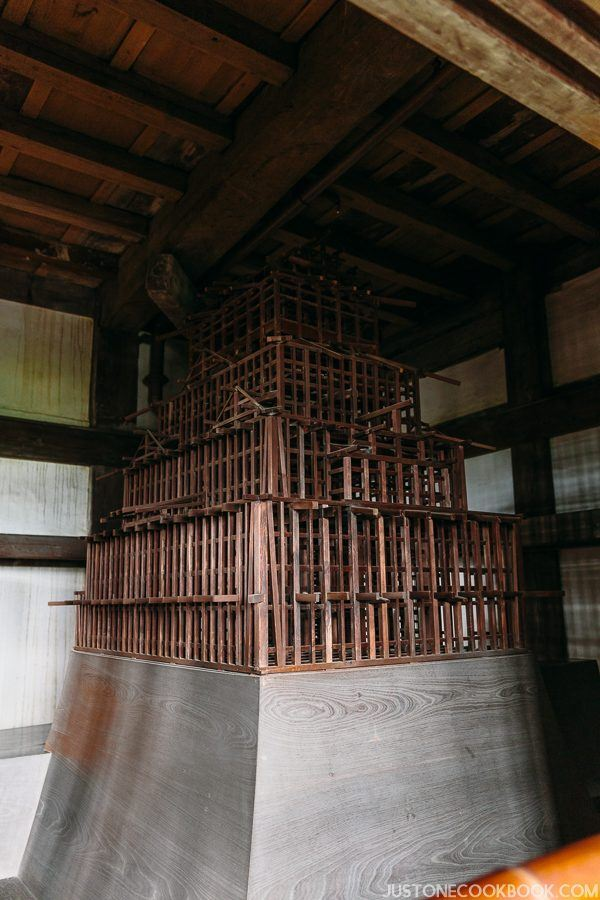 A model of the wooden skeleton that supports himeji castle