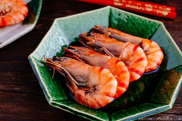 Simmered Shrimp (えびのうま煮) for Japanese New Year Food (Osechi Ryori) | Easy Japanese Recipes at JustOneCookbook.com