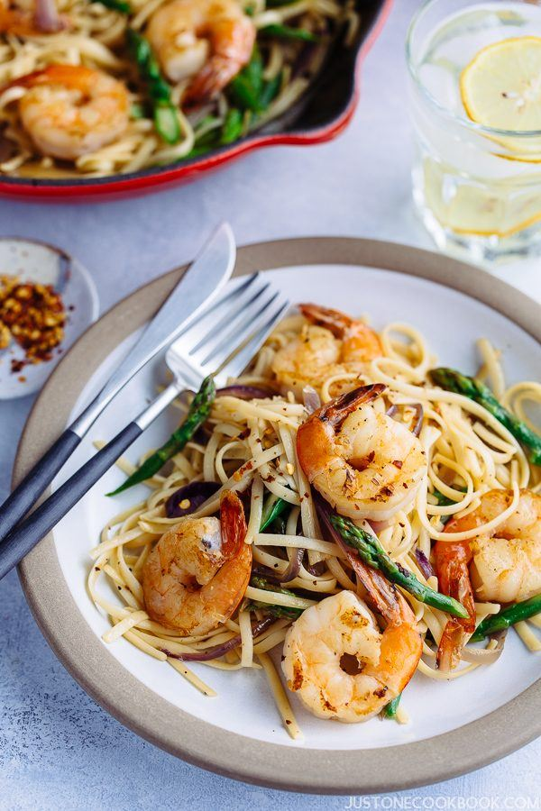 Easy Wafu Pasta with Shrimp and Asparagus on a plate.