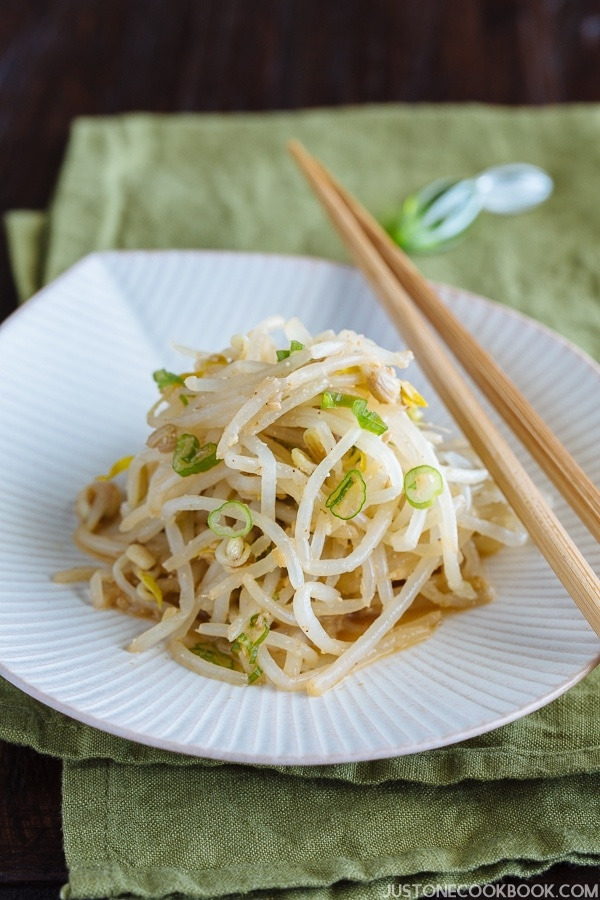 Bean Sprout Salad もやしのナムル | Easy Japanese Recipes at JustOneCookbook.com