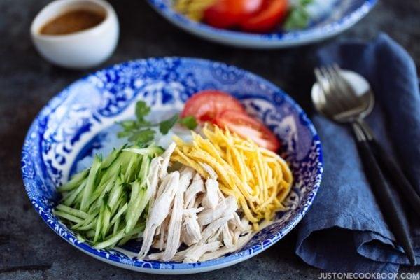 Honey Sesame Shirataki Noodles (冷)しらたきヌードル はちみつ胡麻ドレ和え   Easy Japanese Recipes at JustOneCookbook.com