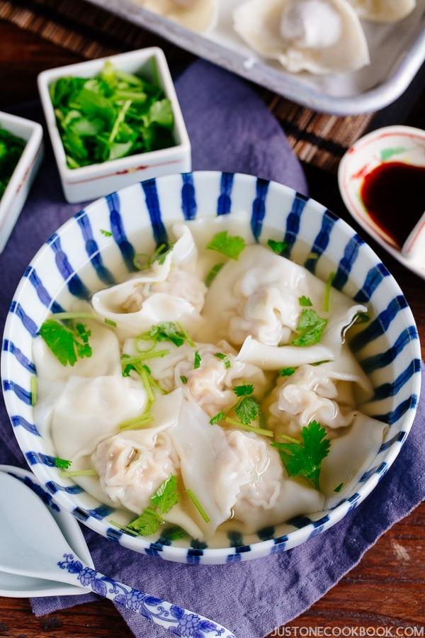 Shrimp and Pork Wonton Soup 海老と豚肉のワンタンスープ   Easy Japanese Recipes from JustOneCookbook.com