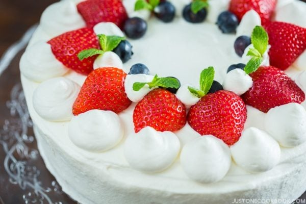 Japanese Strawberry Shortcake ストロベリーショートケーキ I Easy Japanese Recipes at JustOneCookbook.com
