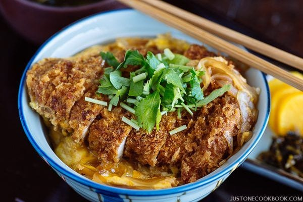 Baked Katsudon in the Japanese bowl.