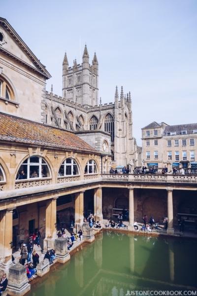 London Travel Guide - Roman Bath