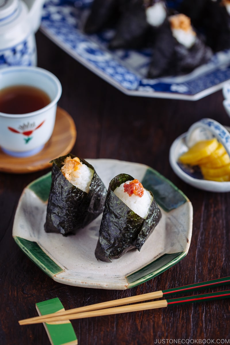 Make this classic Onigiri (Japanese Rice Balls) for your school lunch and potluck! #onigiri #riceball | Easy Japanese Recipes at JustOneCookbook.com