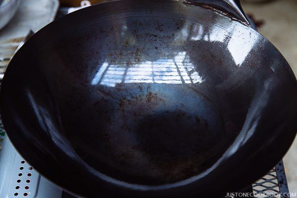 how to season a wok step by step-30