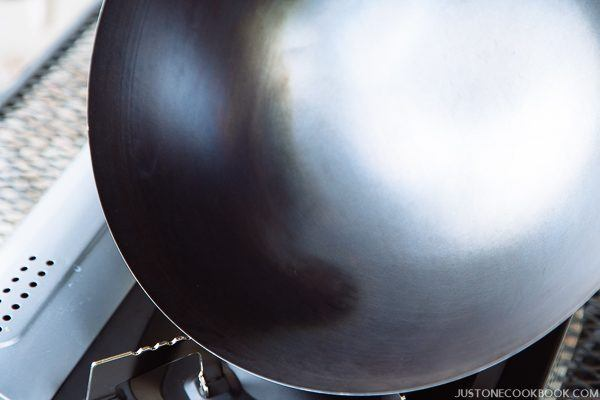 how to season a wok step by step-9