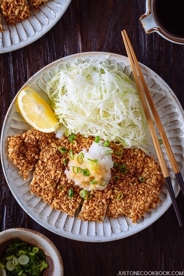 Gluten Free Baked Chicken Katsu グルテンフリー揚げないチキンカツ | Easy Japanese Recipes at JustOneCookbook.com