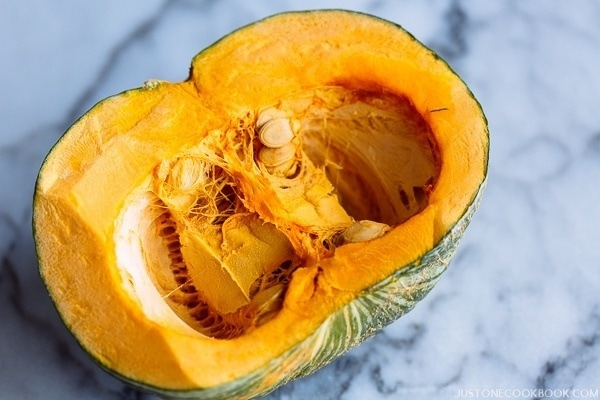 Kabocha Squash Pumpkin | Pantry | Easy Japanese Recipes at JustOneCookbook.com