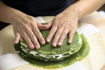 Matcha Mille Crepe Cake 18