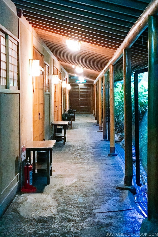 hallway corridor at Musouen Hotel 山のホテル 夢想園 - Yufuin Travel Guide | justonecookbook.com