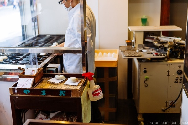 umegaemochi shop - Dazaifu speciality sweet - Fukuoka Travel Guide | justonecookbook.com