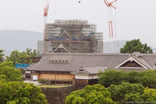 Kumamoto Castle under repair - Kumamoto Travel Guide | justonecookbook.com