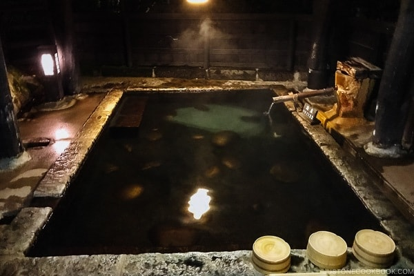 private family bath at Shinmei-kan 山の宿 新明館 Kurokawa Onsen Travel Guide | justonecookbook.com