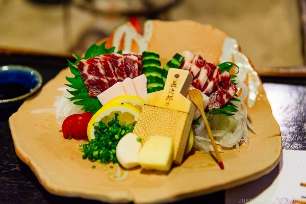 horse sashimi at Shinmei-kan 山の宿 新明館 Kurokawa Onsen Travel Guide | justonecookbook.com
