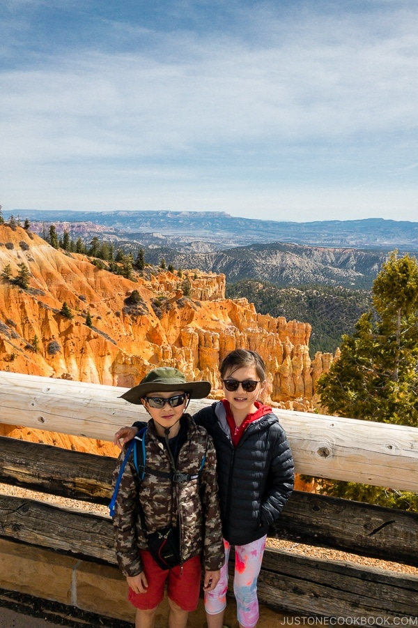 children at Ponderosa Canyon - Bryce Canyon National Park Travel Guide | justonecookbook.com