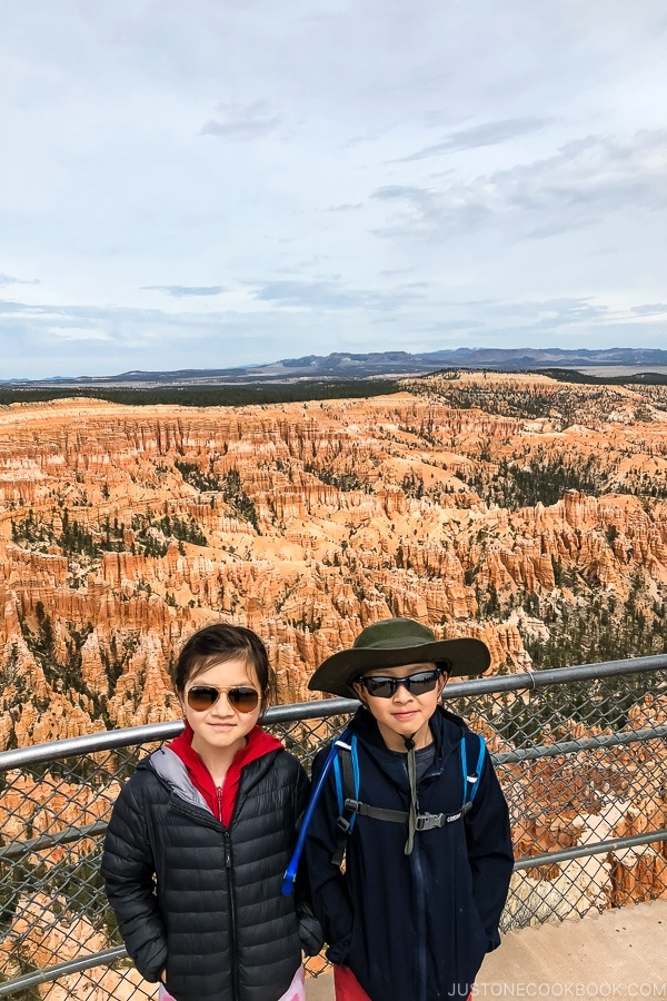 children at Bryce Point - Bryce Canyon National Park Travel Guide | justonecookbook.com