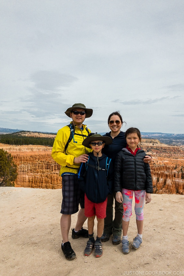 Just One Cookbook family at Inspiration Point - Bryce Canyon National Park Travel Guide | justonecookbook.com
