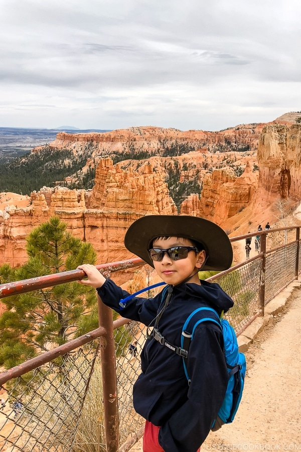 child at Sunset Point - Bryce Canyon National Park Travel Guide | justonecookbook.com