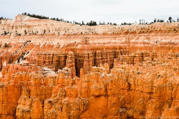 view towards Inspiration Point from Sunset Point - Bryce Canyon National Park Travel Guide | justonecookbook.com