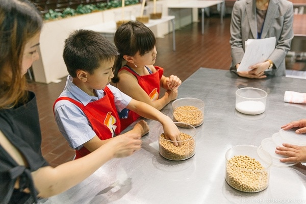 children learning how soy sauce is made at Kikkoman Factory in Noda Japan | Kikkoman Factory Tour - justonecookbook.com