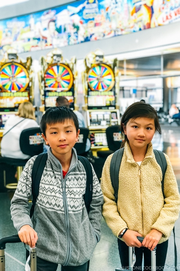 children in front of slot machine at Las Vegas airport - Zion National Park Travel Guide | justonecookbook.com